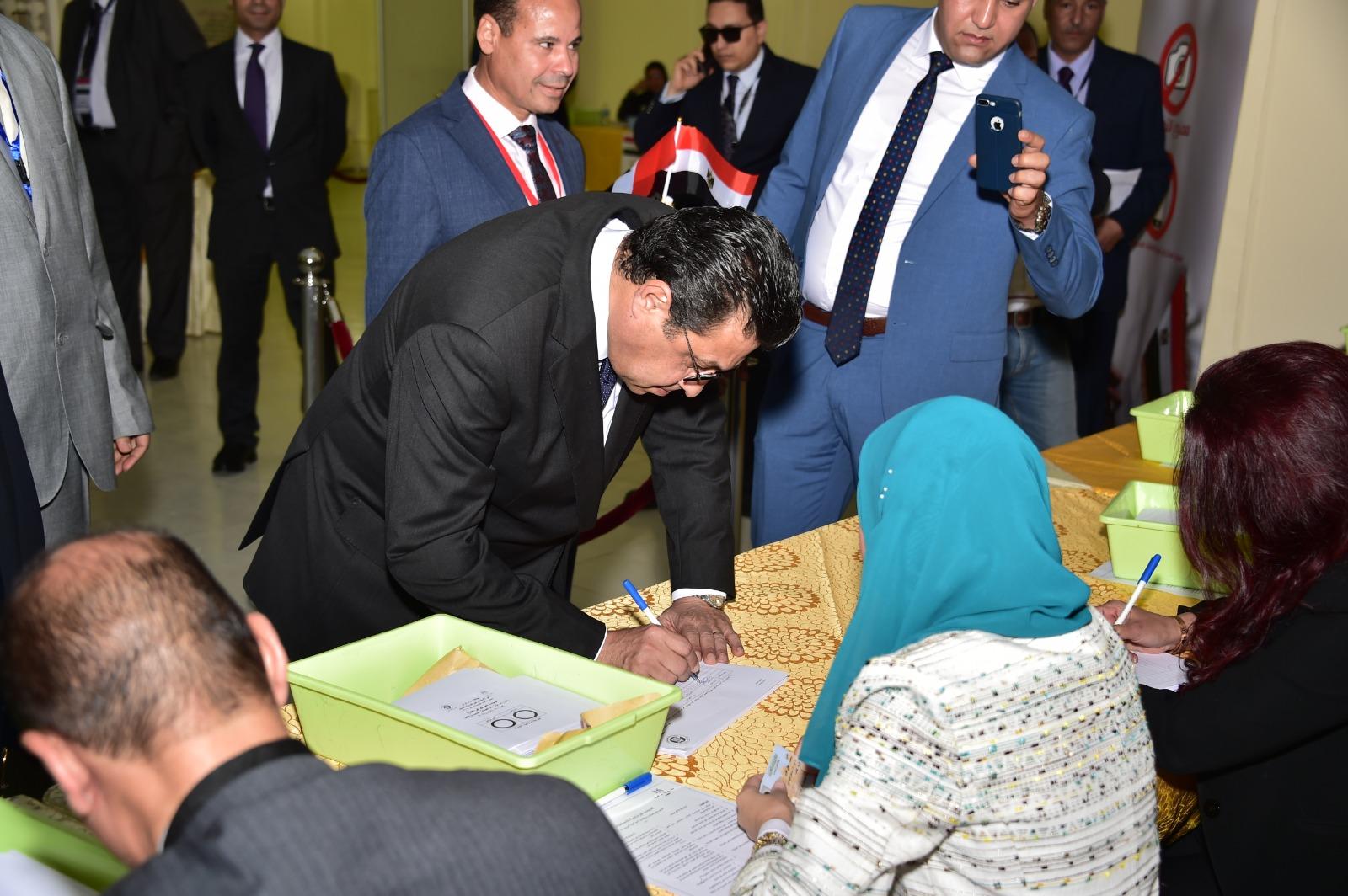 إجراءات التصويت على الاستفتاء للمصريين فى الخارج