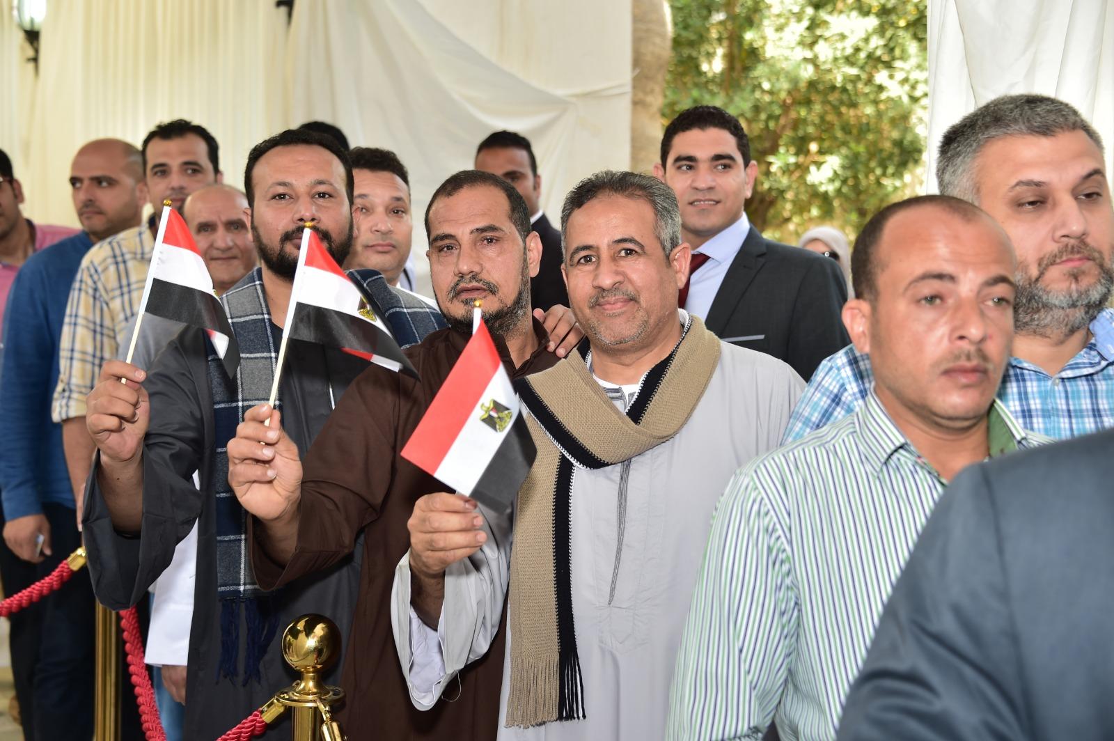 جموع من المصريين تشارك فى الاستفتاء على التعديلات الدستورية