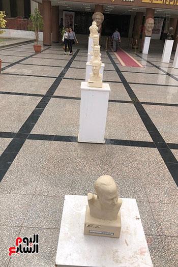 معرض-محسن-سليم-المدرس-بـفنون-أسيوط-(4)