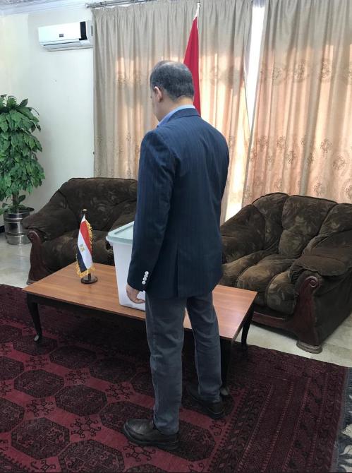 مشاركة مصرية فى افغانستان للتصويت فى الاستفتاء