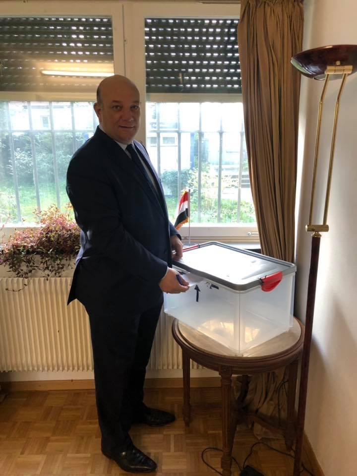 السفير هشام سيف الدين