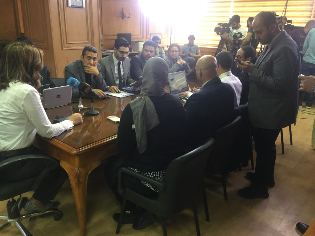 غرفة عمليات لمتابعة تصويت المصريين فى الخارج بالاستفتاء (4)