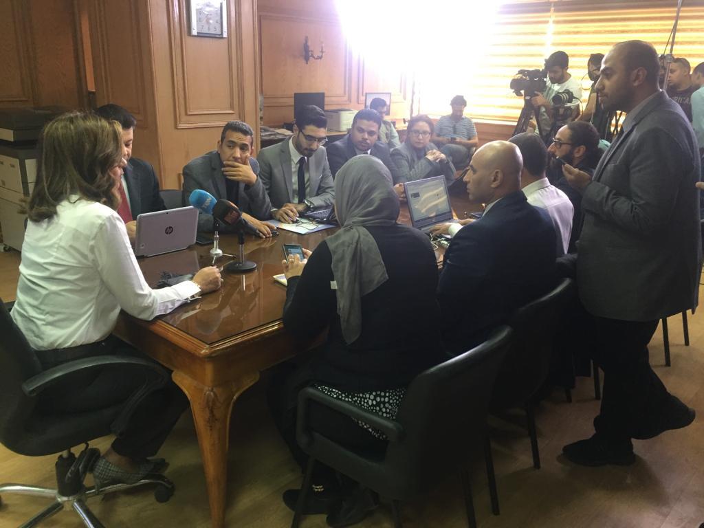 غرفة عمليات لمتابعة تصويت المصريين فى الخارج بالاستفتاء (2)