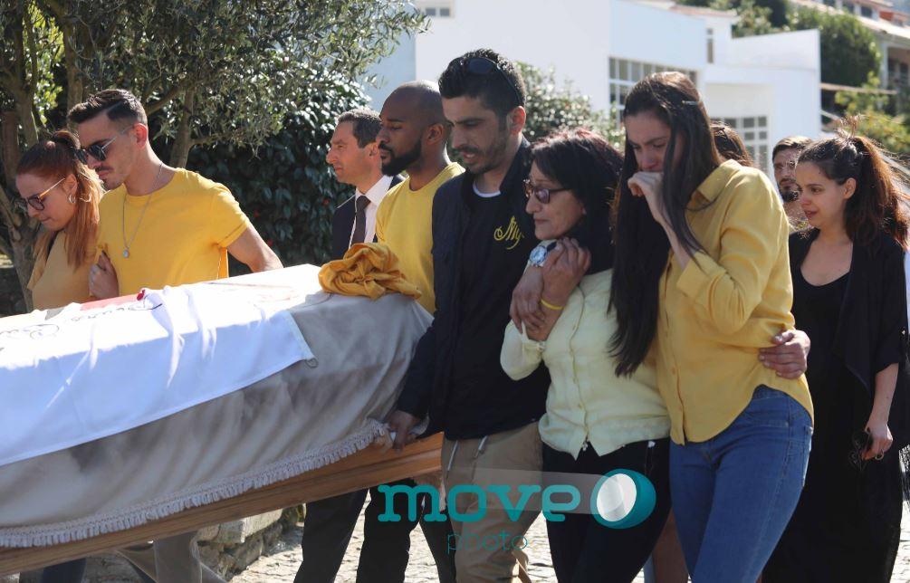 جنازة كاترينا سيكويرا بعد ولادة ابنها (1)