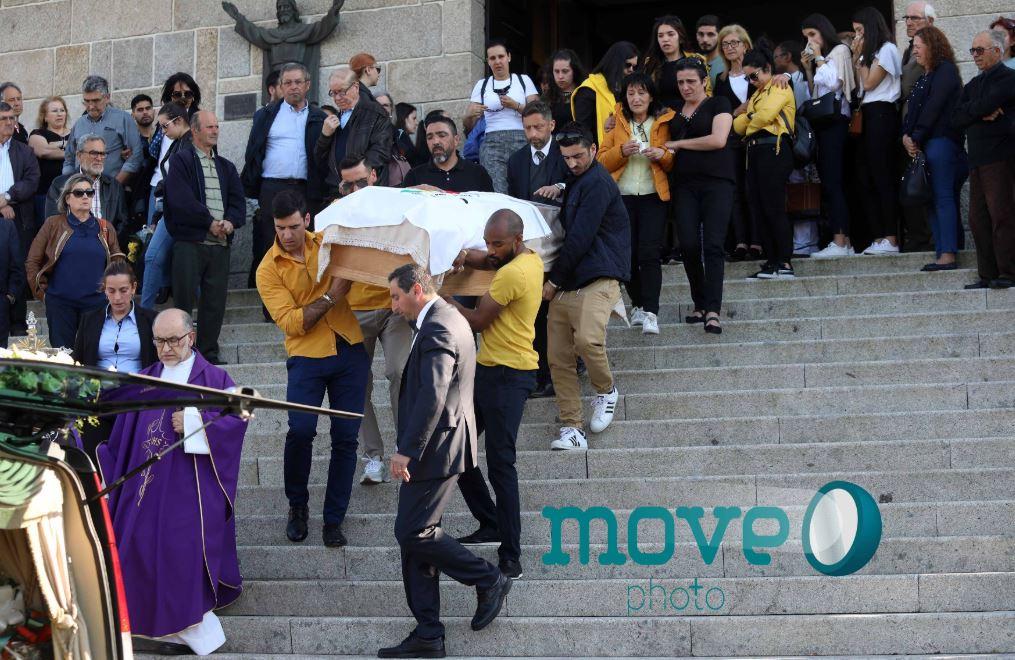 جنازة كاترينا سيكويرا بعد ولادة ابنها (4)