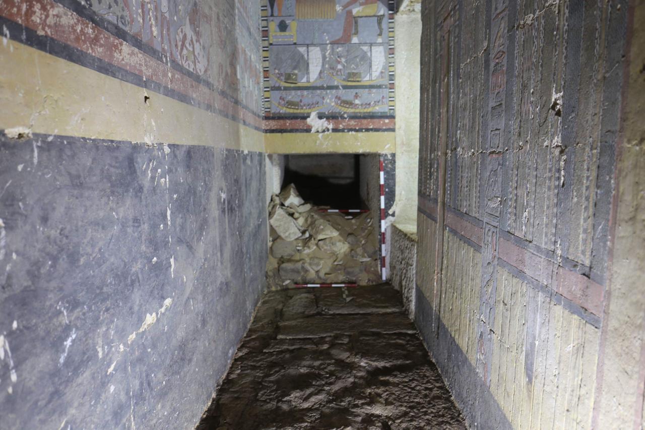 المقبرة المكتشفة (5)