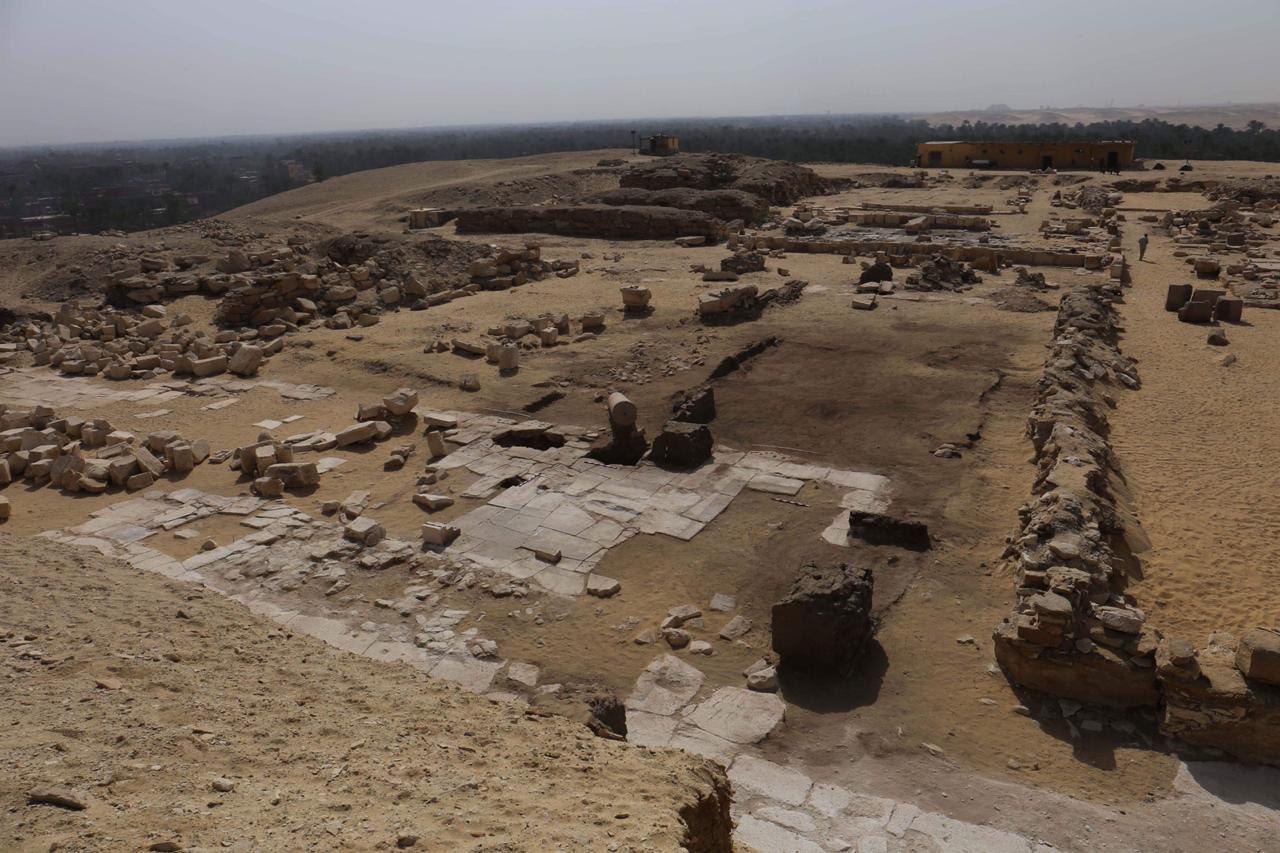 المقبرة المكتشفة (4)