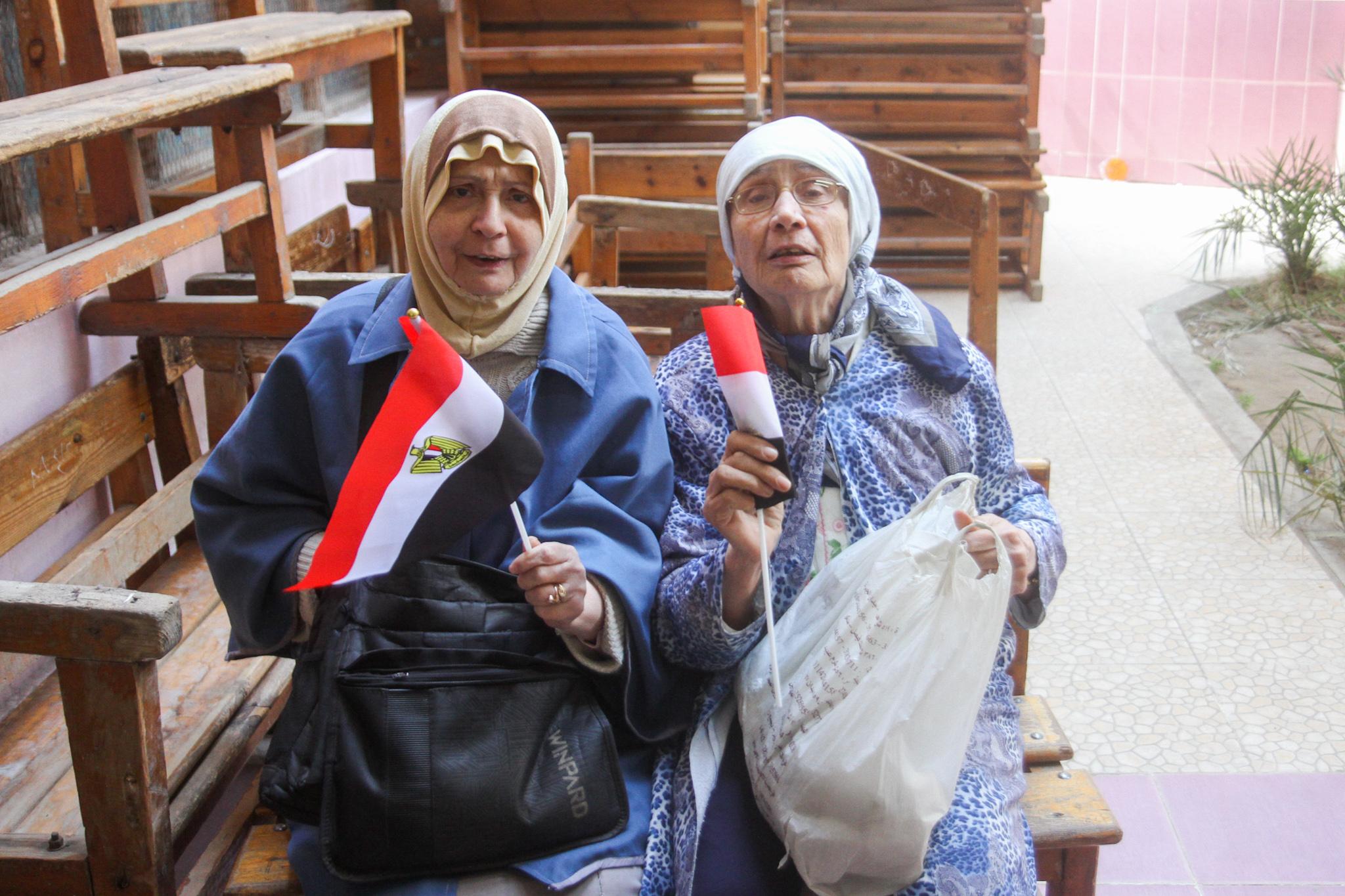 كبار السن فى صدارة التصويت على التعديلات الدستورية5