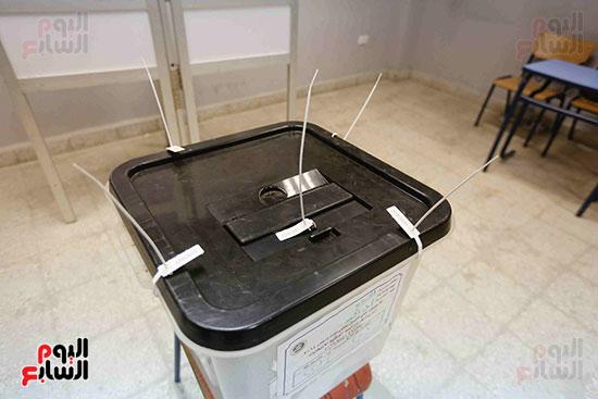 غلق باب التصويت فى اليوم الأول للاستفتاء  (10)