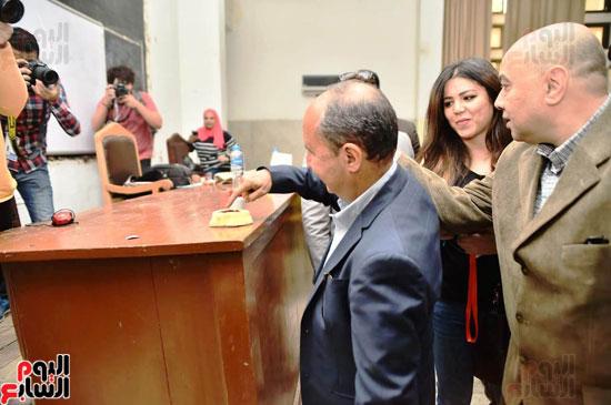 استفتاء عمرو نصار (1)