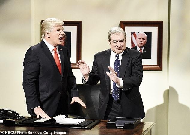 دى نيرو اثناء اداء دور مولر فى برنامج SNL