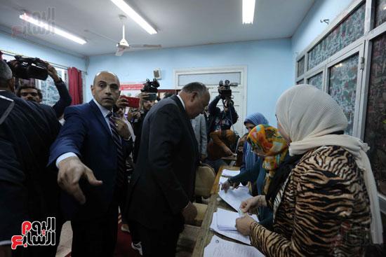 وزير الخارجية يشارك في التعديلات الدستورية (1)