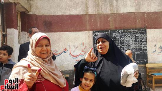 سيدات الإسكندرية يطلقن الزغاريد للدعوة للمشاركة (13)