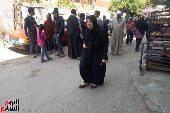 إقبال كبير للمواطنين على لجان الاستفتاء بعين شمس (11)