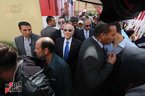 اللواء محمد العصار يدلي بصوته فى الاستفتاء على التعديلات الدستورية (5)