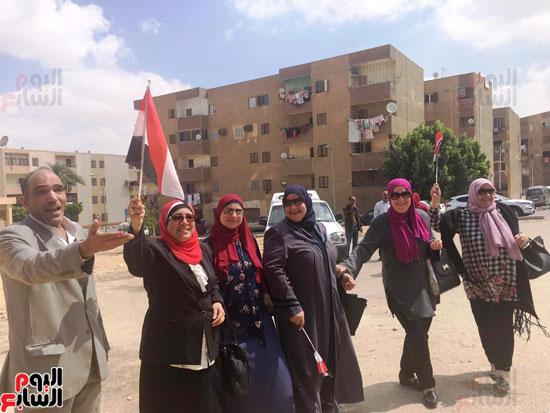 سيدات الإسكندرية يطلقن الزغاريد للدعوة للمشاركة (12)