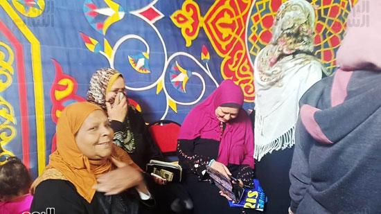 رقص-وزغاريد-السيدات-داخل-المقار-الانتخابية-بالاسكندرية-(11)