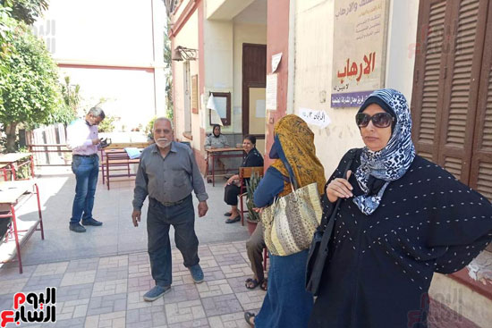 سيدات الإسكندرية يطلقن الزغاريد للدعوة للمشاركة (5)