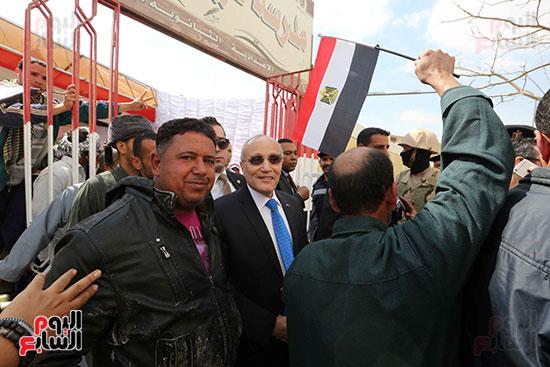 اللواء محمد العصار يدلي بصوته فى الاستفتاء على التعديلات الدستورية (2)