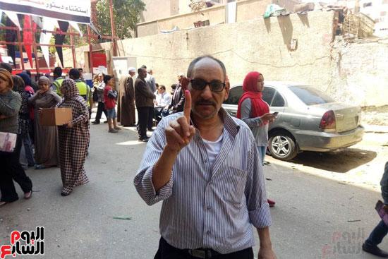 إقبال كبير للمواطنين على لجان الاستفتاء بعين شمس (4)