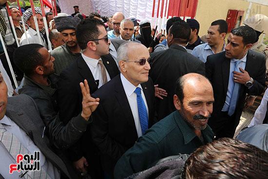 اللواء محمد العصار يدلي بصوته فى الاستفتاء على التعديلات الدستورية (4)