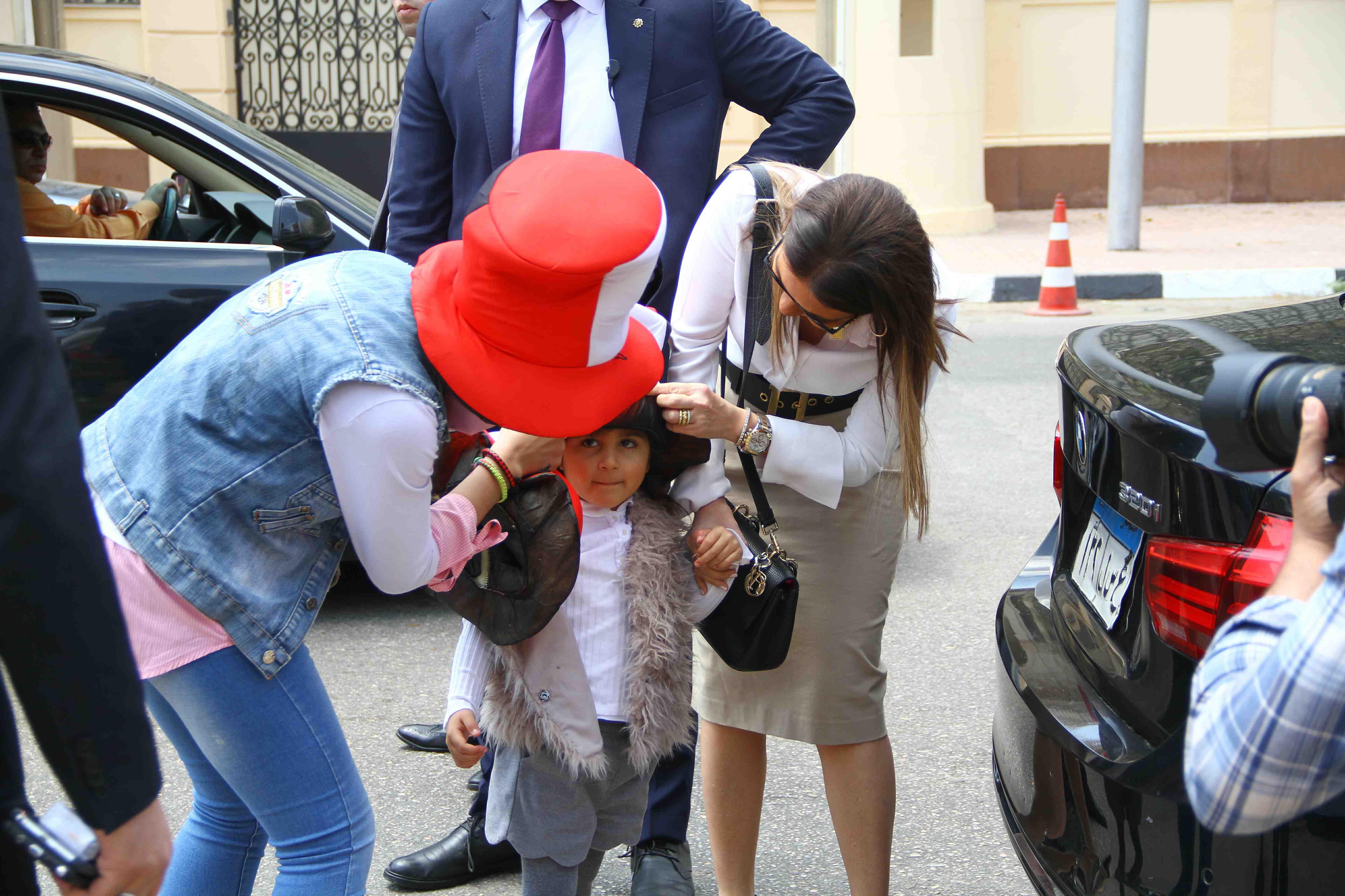 وزيرة الاستثمار تصطحب حفيدتها فى التصويت على التعديلات الدستورية4