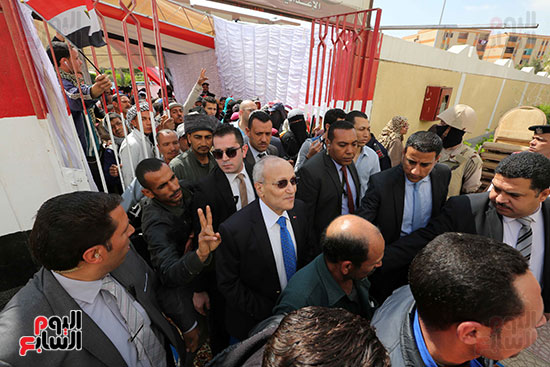اللواء محمد العصار يدلي بصوته فى الاستفتاء على التعديلات الدستورية (3)