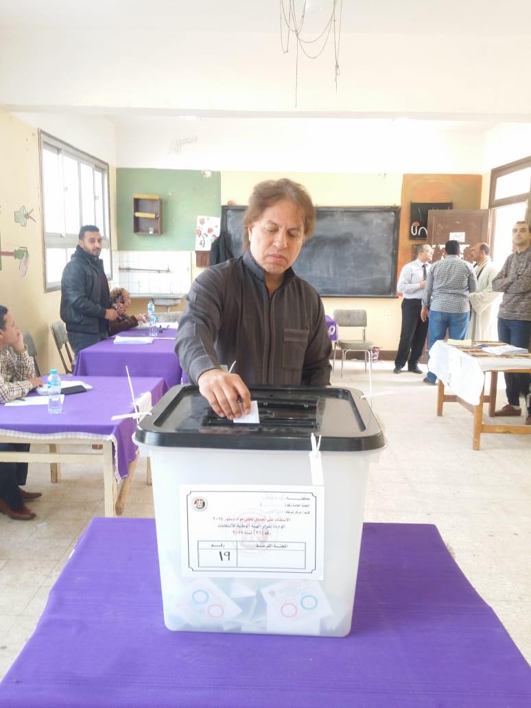 سويلم يصوت بنعم فى التعديلات