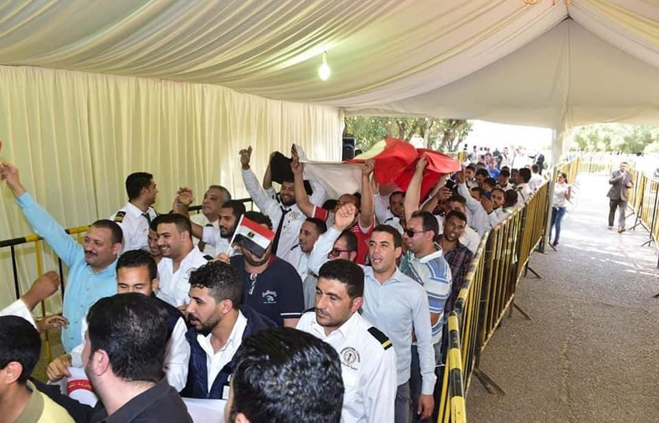 المصريون فى الكويت يشاركون فى استفتاء الدستور