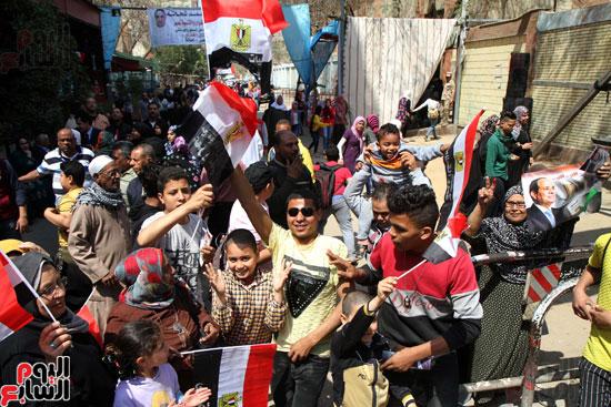احتفالات بين المواطنين  (3)