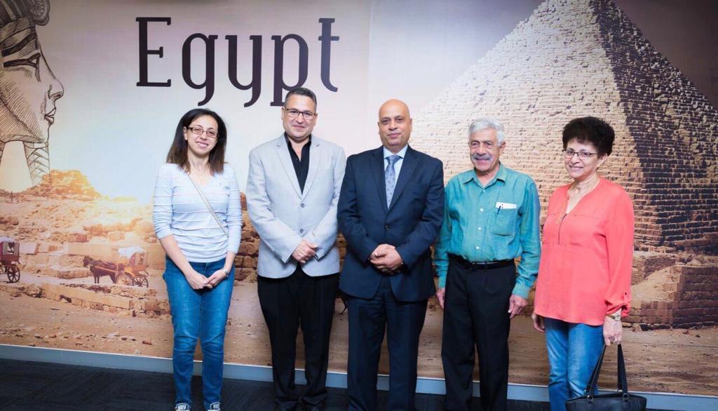 تصويت المصريين فى القنصلية بسيدنى