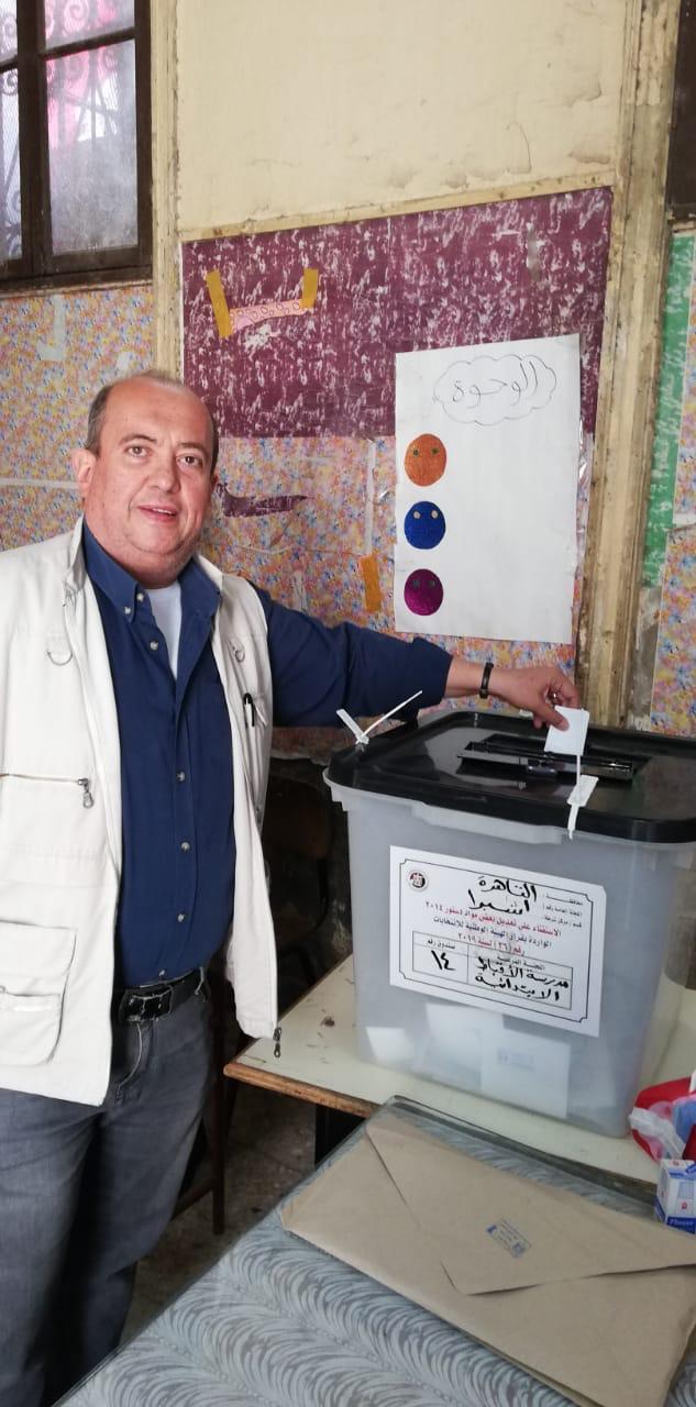 المصريون الأرمن يشاركون فى الاستفتاء على التعديلات الدستورية (3)