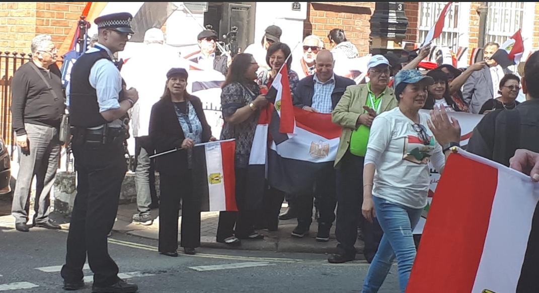 الأعلام المصرية مع المصريين فى لندن
