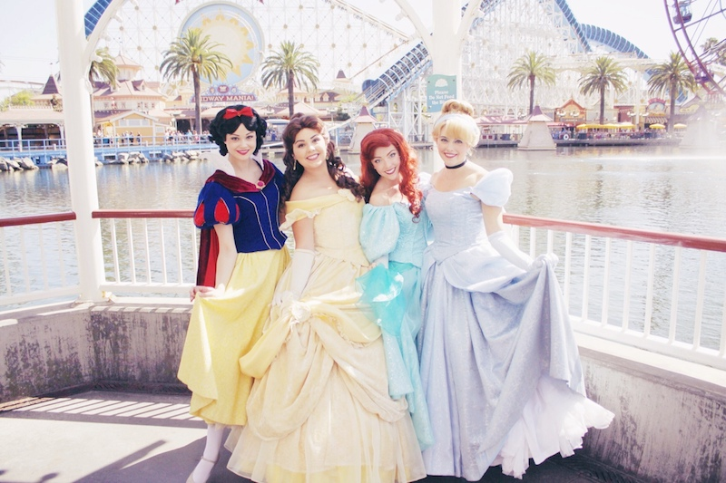 Crazy_Requirements_Needed_To_Work_As_A_Disney_Princess9