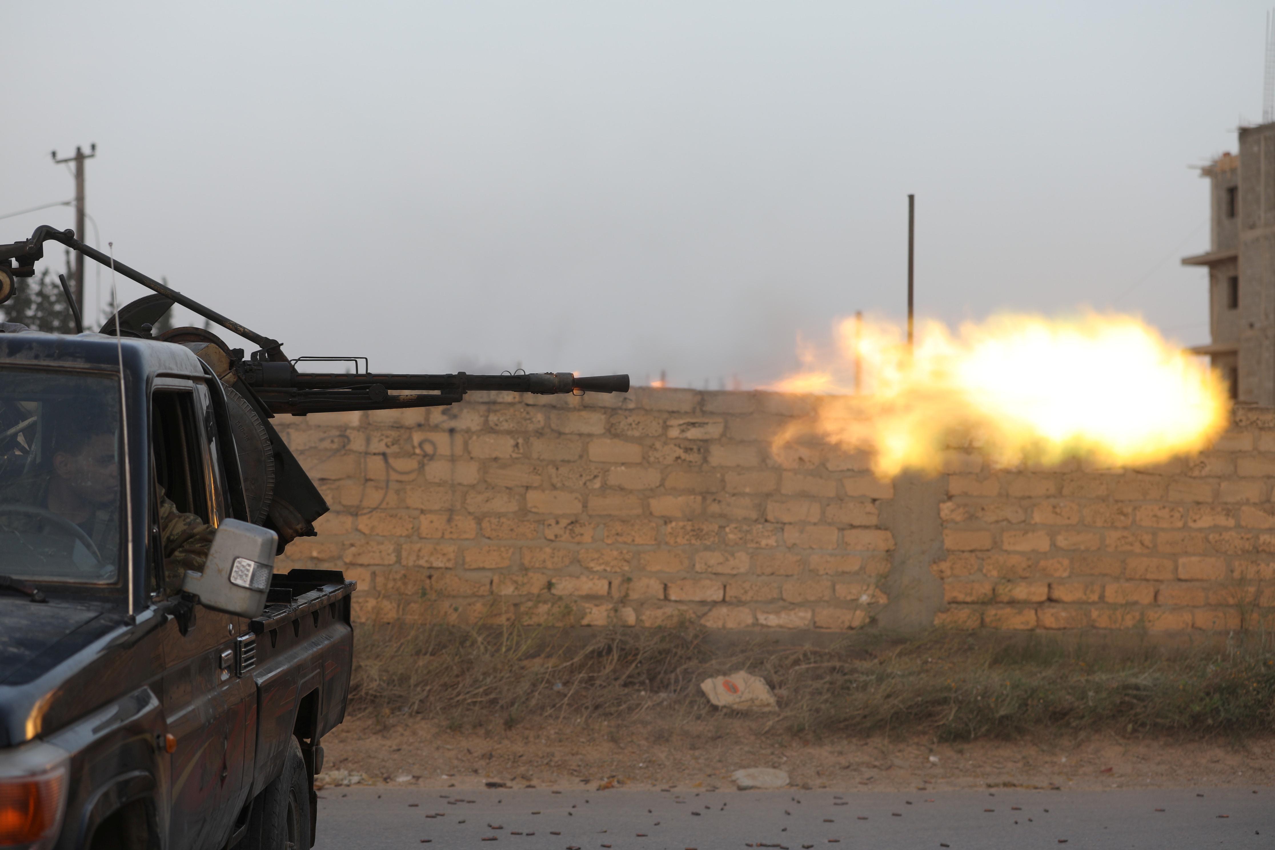 تجدد الاشتباكات بمحيط طرابلس (2)