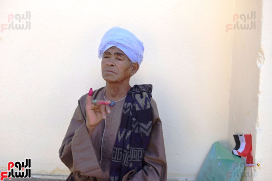 الحاجة-صيصة-سيدة-الرئيس-تصوت-علي-التعديلات-الدستورية-(4)