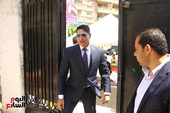 أحمد أبو هشيمة يدلى بصوته بالاستفتاء (6)