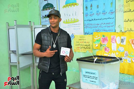 محمد رمضان خلال استفتاء الدستور (29)