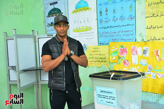 محمد رمضان خلال استفتاء الدستور (6)