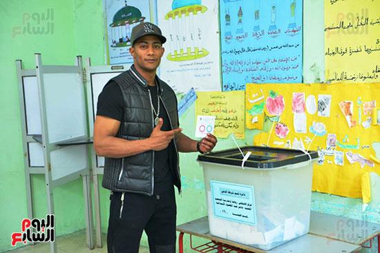 محمد رمضان خلال استفتاء الدستور (15)
