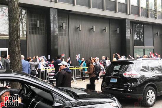 المصريون بنيويورك يحتشدون أمام القنصلية (4)