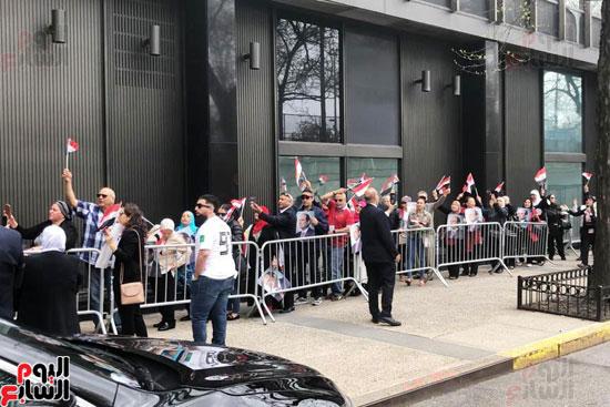 المصريون بنيويورك يحتشدون أمام القنصلية (2)