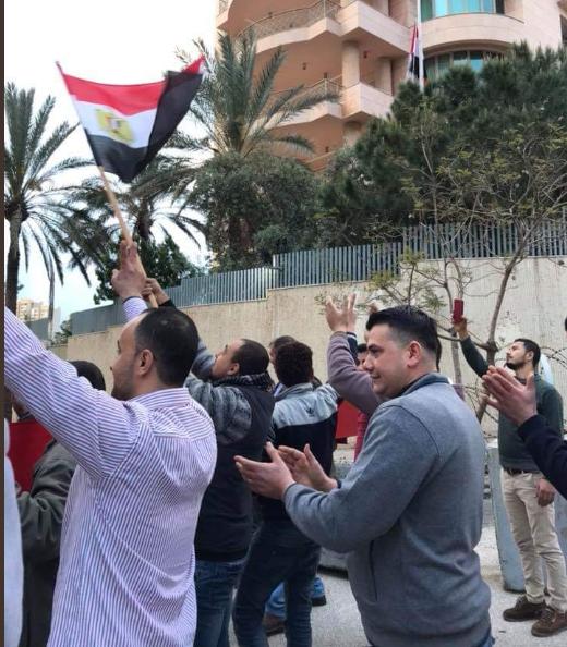 أجواء احتفالية خلال التصويت على الاستفتاء فى لبنان