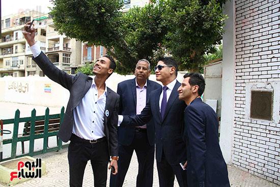 أحمد أبو هشيمة يدلى بصوته بالاستفتاء (15)