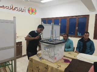 بدء أعمال الفرز في لجان الوادي الجديد بعد انتهاء موعد التصويت (1)