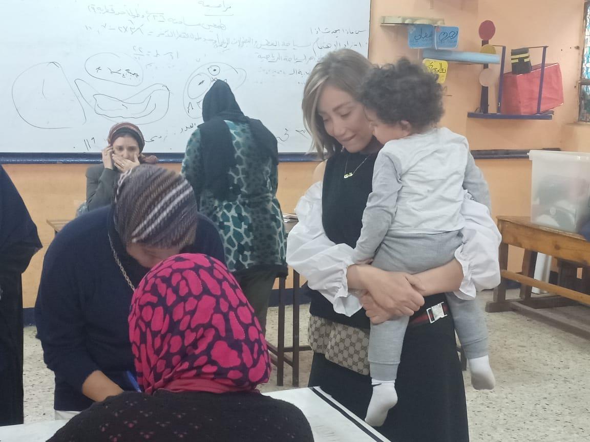 ريهام سعيد  تدلى بصوتها (5)