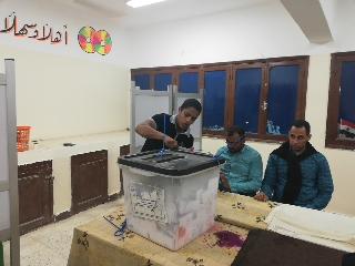 بدء أعمال الفرز في لجان الوادي الجديد بعد انتهاء موعد التصويت (2)