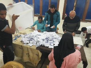 بدء أعمال الفرز في لجان الوادي الجديد بعد انتهاء موعد التصويت (6)