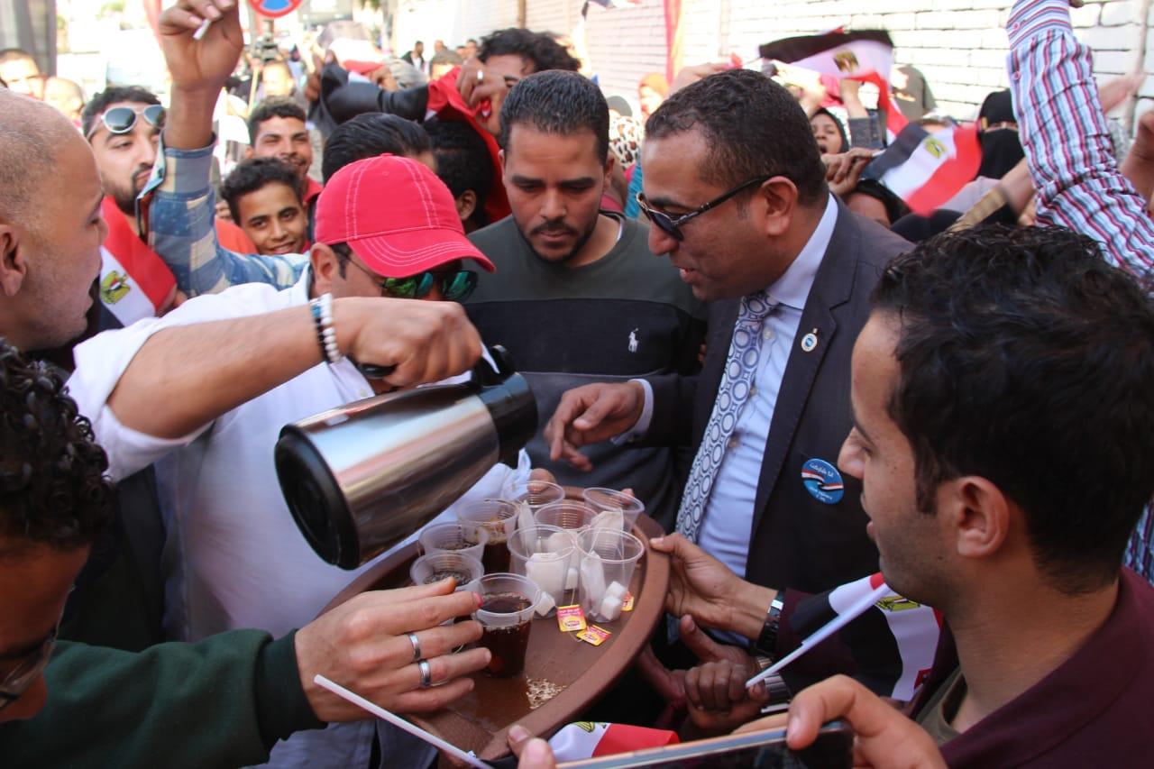 محمد فؤاد مع المواطنين