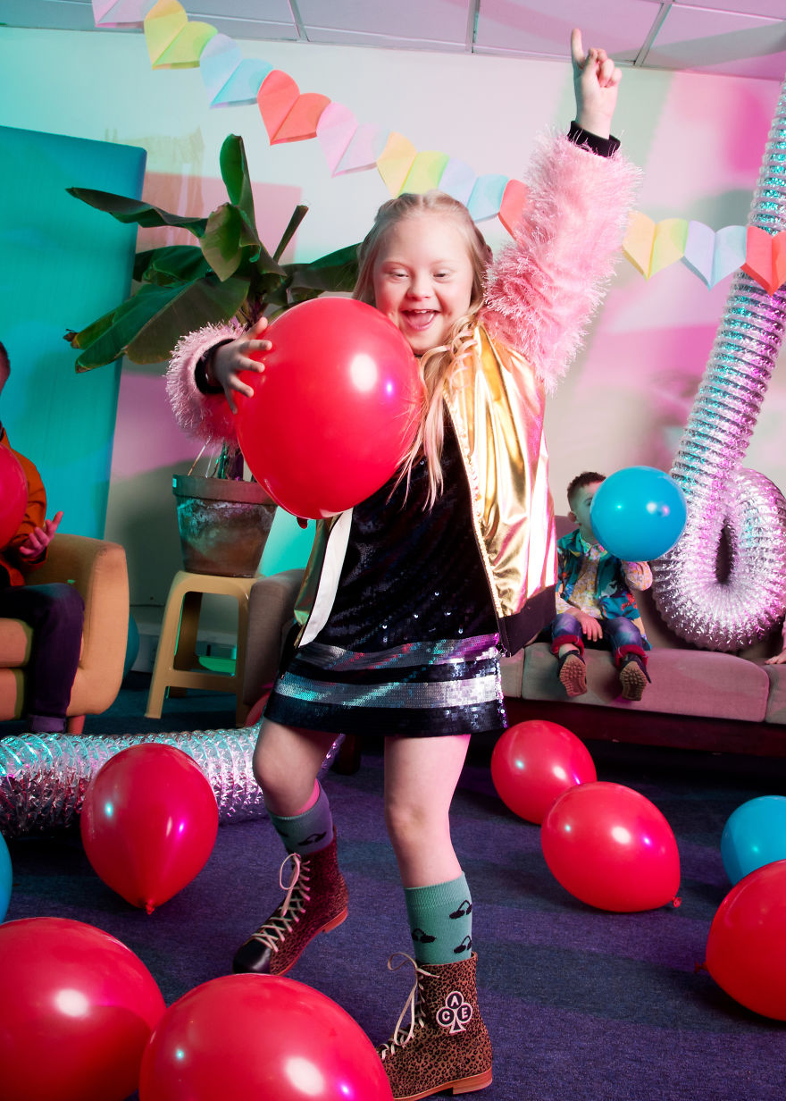 World-Down-Syndrome-Day-Fashion-shoot-with-professional-models-who-have-Down-syndrome-5c86c1b0dcadd__880